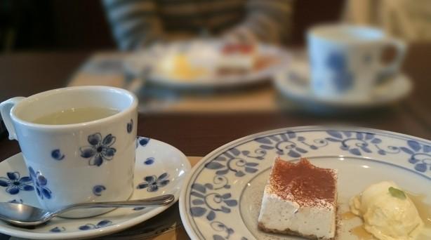カフェでお見合い